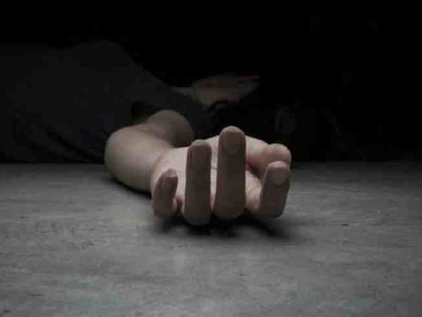 saurasthra-kutch/17-year-old-girl-commits-suicide-after-boyfriend-dumps-her