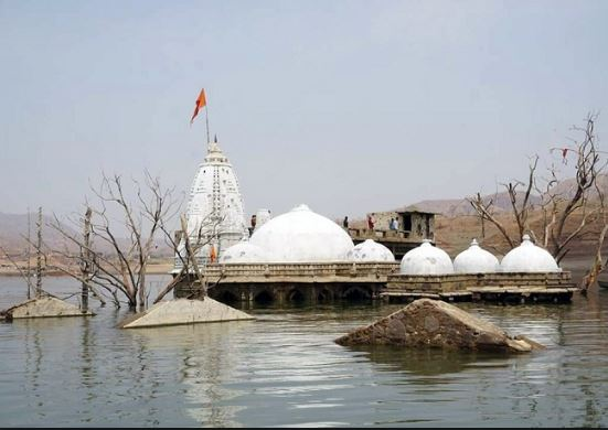 outh-gujarat/boating-near-ancient-hafeshwar-temple-in-narmada-is-banne