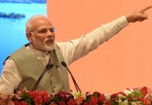 'Not scared of standing next to businessmen': Modi woos industrialists, slams opposition
