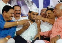 MGUJ-AHM-HMU-LCL-hardik-patel-end-his-fast-to-keep-unity-between-kadwa-and-leuva-patidar-community-gujarati-