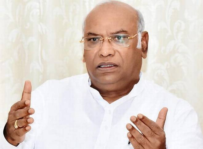 mallikarjun kharge says entire paragraph can t be a typo in rafale report