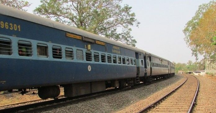 madhya gujarat gujarat owned duranto train is now owned by mumbai