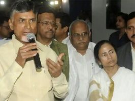 West Bengal Chief Minister Mamata Banerjee called off her three-day long 'sit-in protest'on Tuesday over the Central Bureau of Investigation's attempt to question Kolkata Police Commissioner Rajeev Kumar in connection with a ponzi scheme scam. The Supreme Court on Tuesday asked Kumar to appear before the CBI and also directed the probe agency not to take any coercive action against him, including arrest.